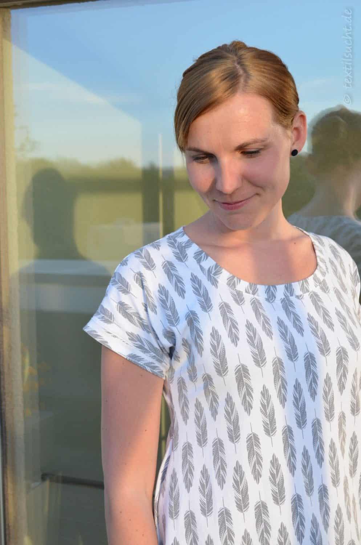 Shirt Schnittmuster Ebby aus Feder-Jersey von Staghorn Design - Bild 4 | textilsucht
