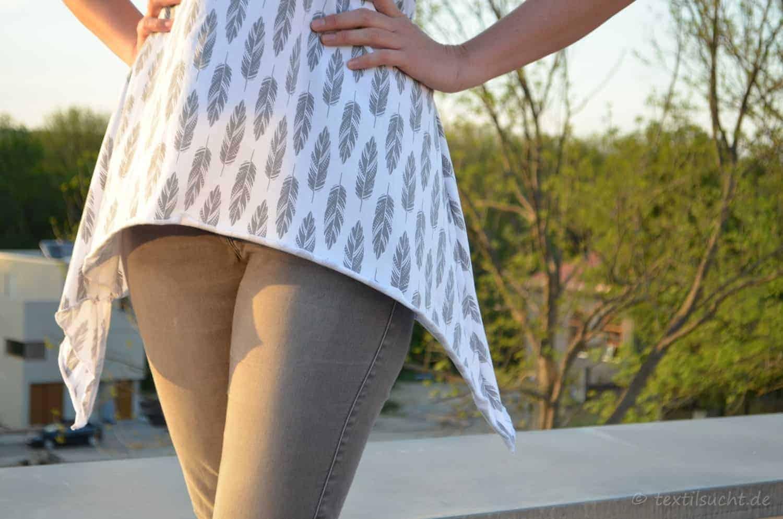 Shirt Schnittmuster Ebby aus Feder-Jersey von Staghorn Design - featured | textilsucht