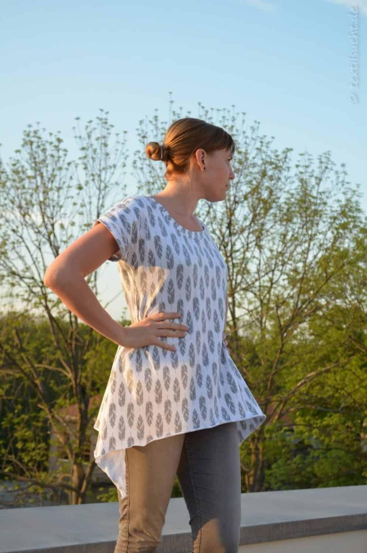 Shirt Schnittmuster Ebby aus Feder-Jersey von Staghorn Design - Bild 1 | textilsucht