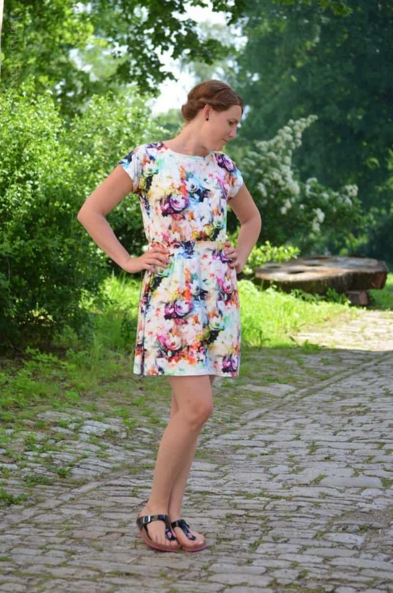 Lieblingskleid Federleicht: Schnittmuster Sommerkleid mit Bündchen - Bild 2
