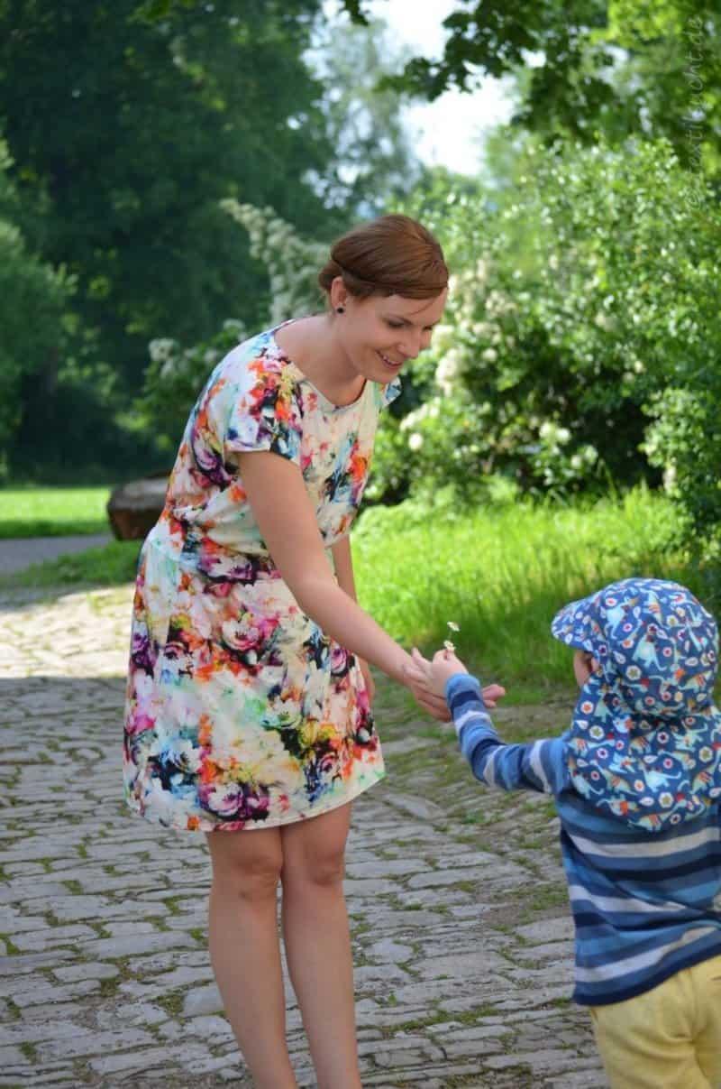 Lieblingskleid Federleicht: Schnittmuster Sommerkleid mit Bündchen - Bild 8