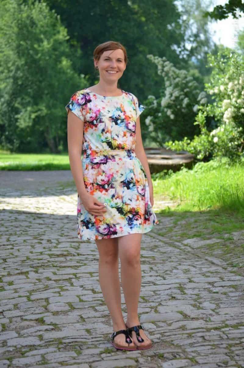 Lieblingskleid Federleicht: Schnittmuster Sommerkleid mit Bündchen - Bild 9
