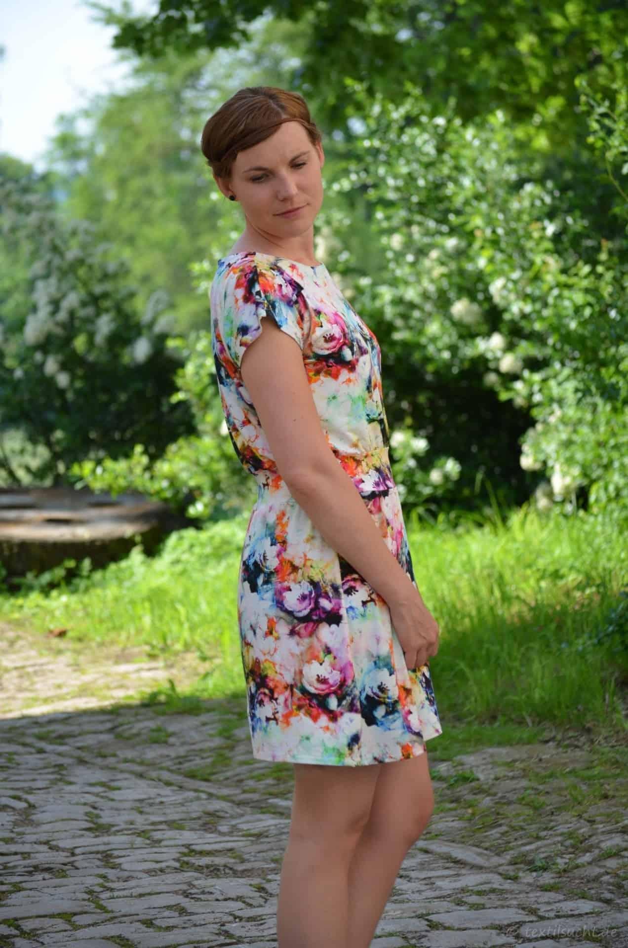 Lieblingskleid Federleicht: Schnittmuster Sommerkleid mit Bündchen - Bild 3