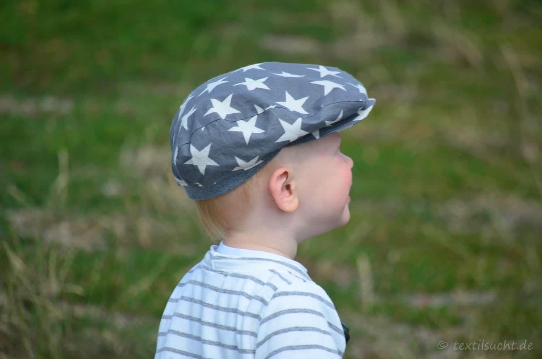 Ein Taufoutfit aus Shirt und Mütze für Jungs - Bild 1 | textilsucht.de