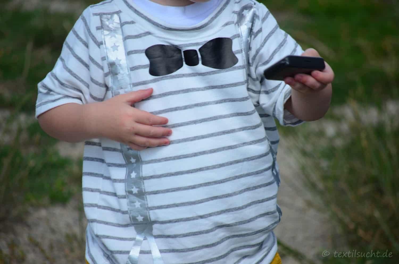 Ein Taufoutfit aus Shirt und Mütze für Jungs - Bild 2 | textilsucht.de