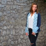 Eine Alegra Strickjacke für kühle Sommerabende