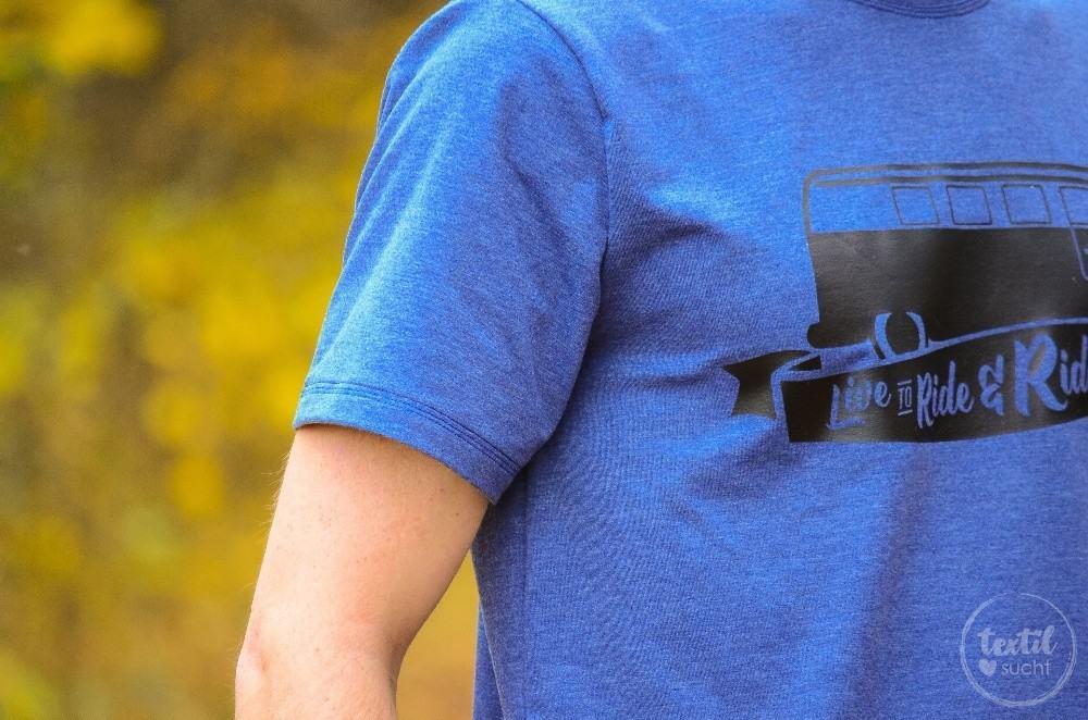 Nähen für Männer: Schnittmuster Herrenshirt Rio als Kurzarmshirt mit Bulli Plott - 5 | textilsucht.de