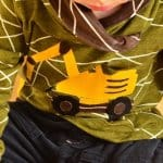 Ein selbstgenähtes Baggershirt zum zweiten Geburtstag