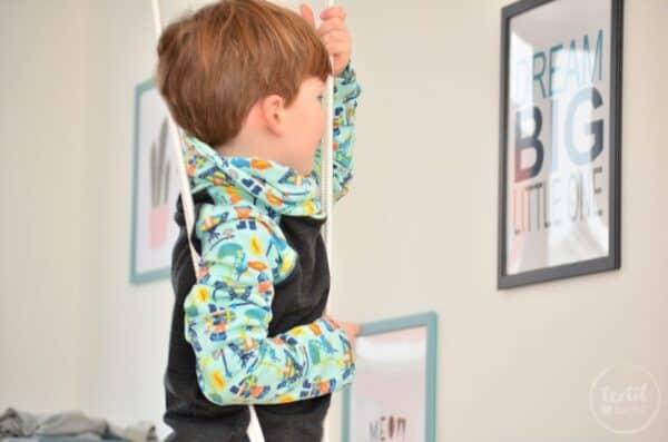 Kinderkleidung nähen: Pullover und Hose aus Wikinger Sweat von Swafing - Titelbild   textilsucht.de