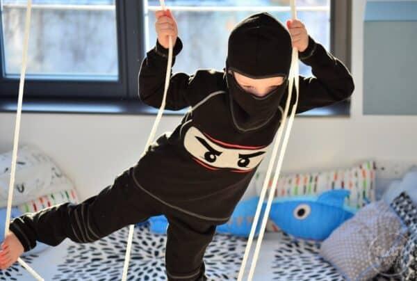 Faschingskostüm nähen: Ein selbstgenähtes Ninjakostüm - Titelbild   textilsucht.de