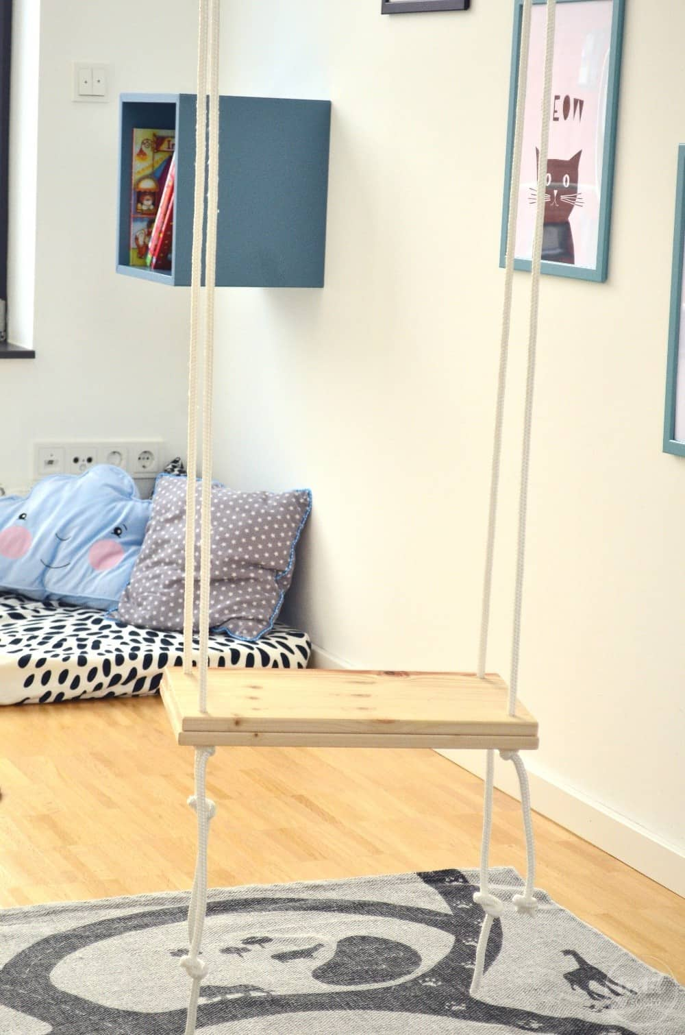 das gro e puppenhaus makeover textilsucht. Black Bedroom Furniture Sets. Home Design Ideas