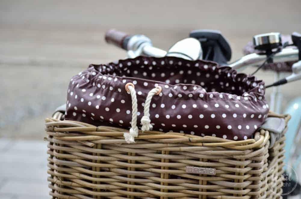 kosetnlose Nähanleitung: Tasche für den Fahrradkorb nähen - Titelbild | textilsucht.de