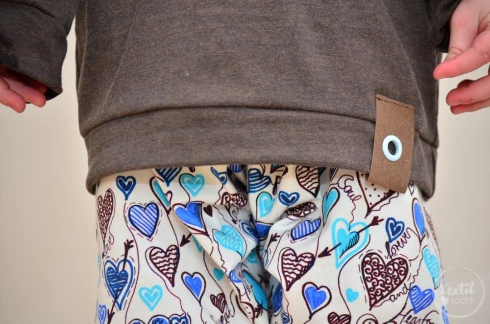 Ein etwas anderes Jungsoutfit aus Herzchenjersey - Bild 2 | textilsucht.de