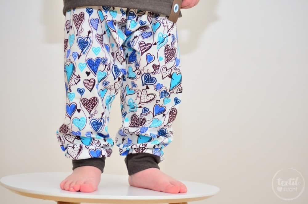 Ein etwas anderes Jungsoutfit aus Herzchenjersey - Bild 3 | textilsucht.de
