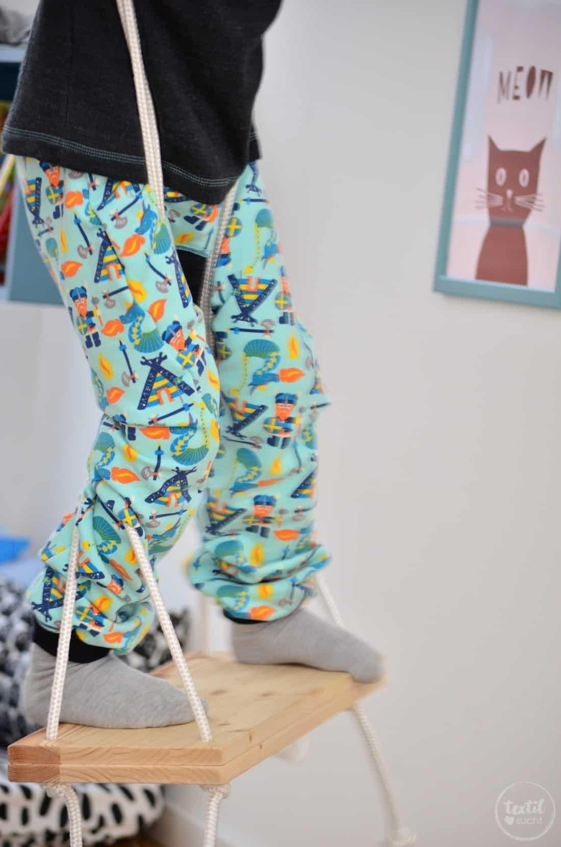 Kinderkleidung nähen: Pullover und Hose aus Wikinger Sweat von Swafing - Bild 7 | textilsucht.de