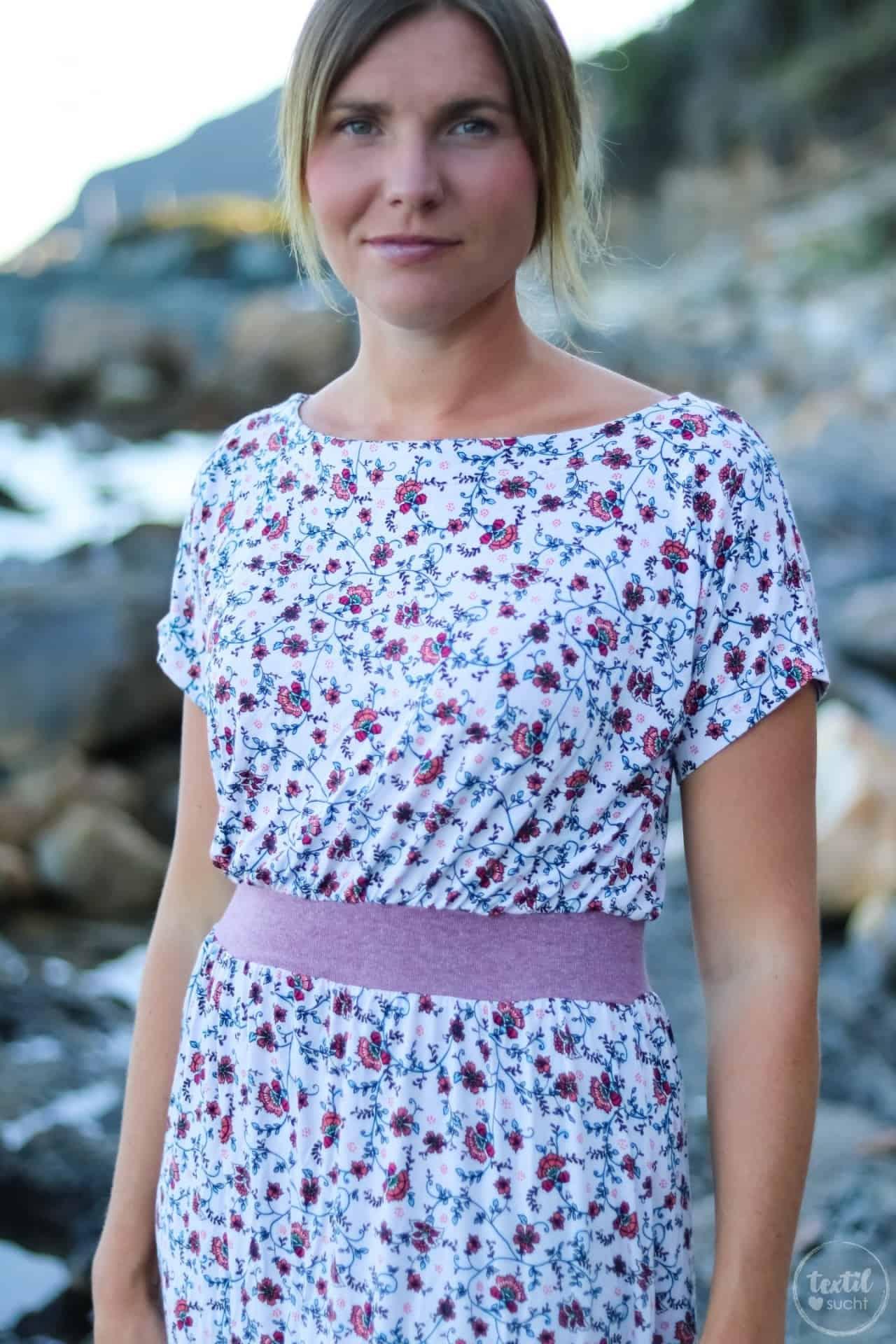 Mein neues Lieblings-Sommerkleid mit Blumenmuster - Bild 2 | textilsucht.de