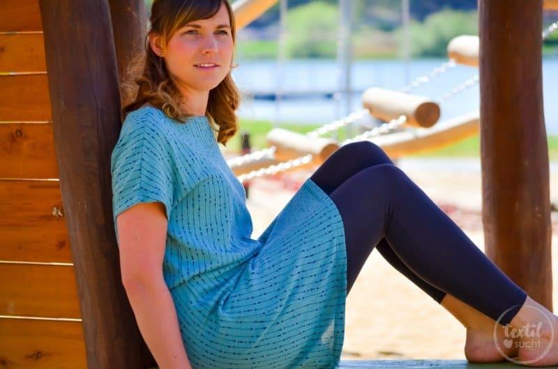 Schnittmuster Shirt Lilla: Kleid mit U-Boot Ausschnitt nähen | textilsucht.de