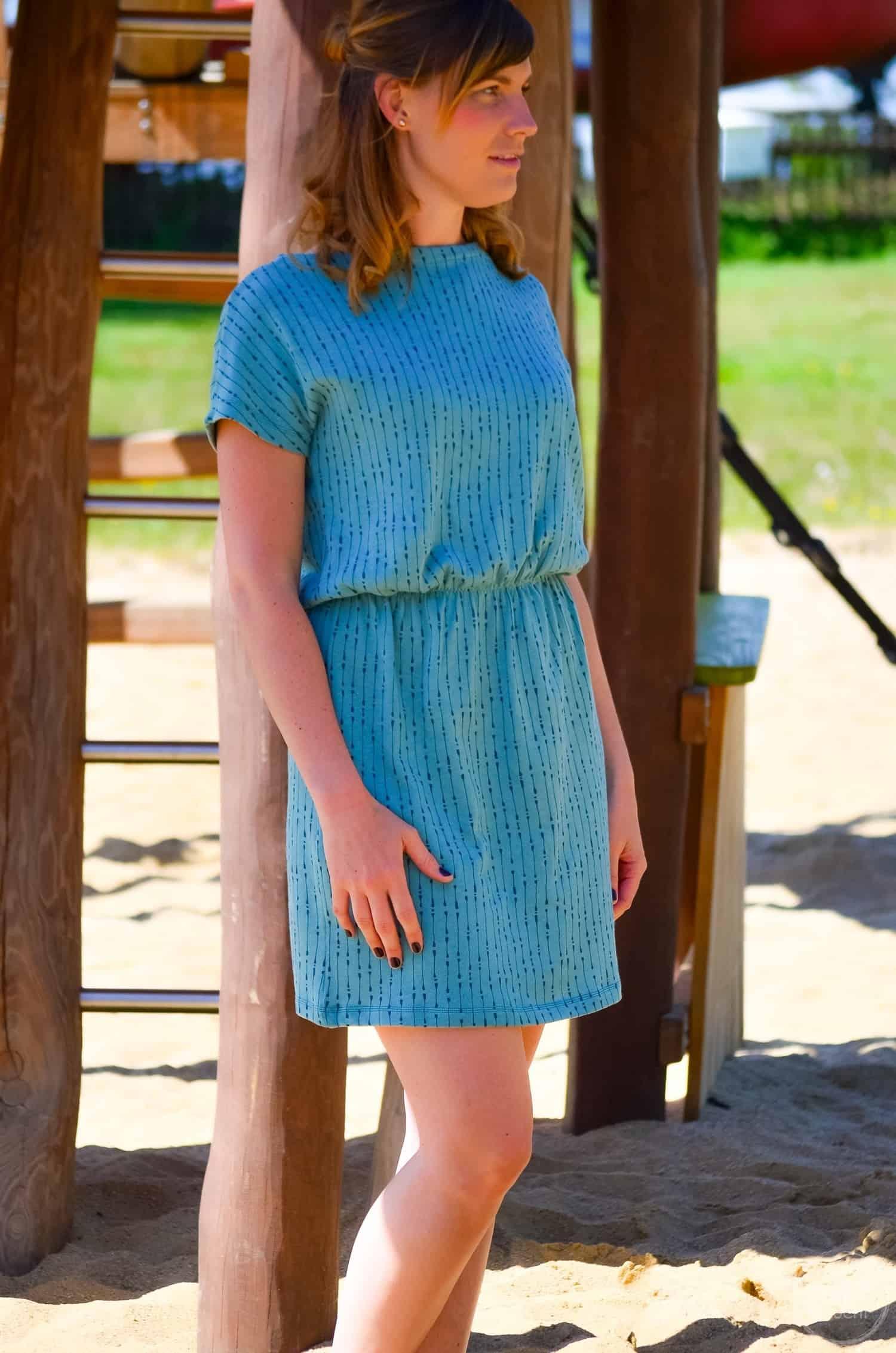 Schnittmuster Shirt Lilla: Kleid mit U-Boot Ausschnitt nähen - Bild 2 | textilsucht.de