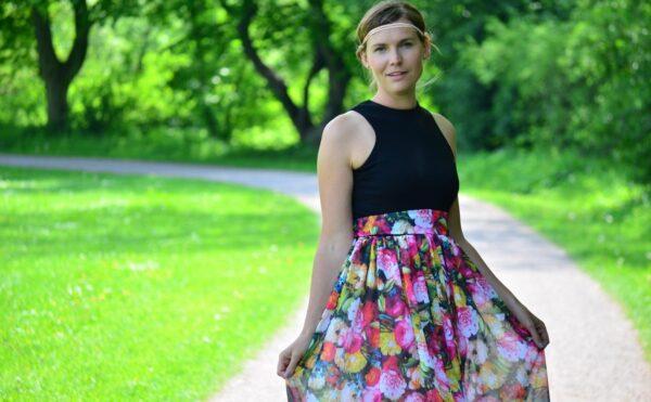 Kleid nähen: Schnittmuster Kleid Kelani im Sommerlook - Titelbild   textilsucht.de