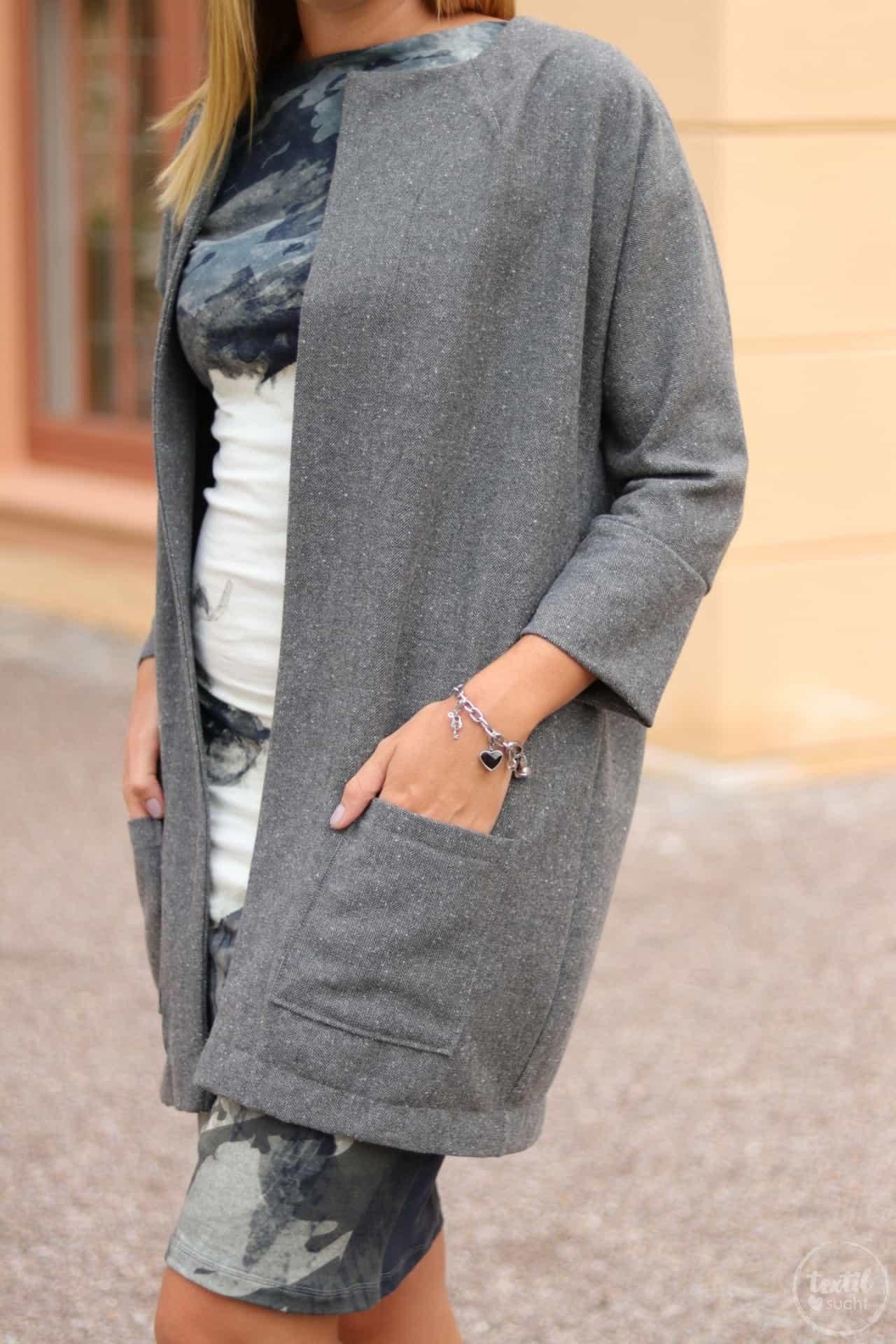 Mein neuer Egg-Shape-Mantel - Frau Ava von Hedi näht - Bild 2 | textilsucht