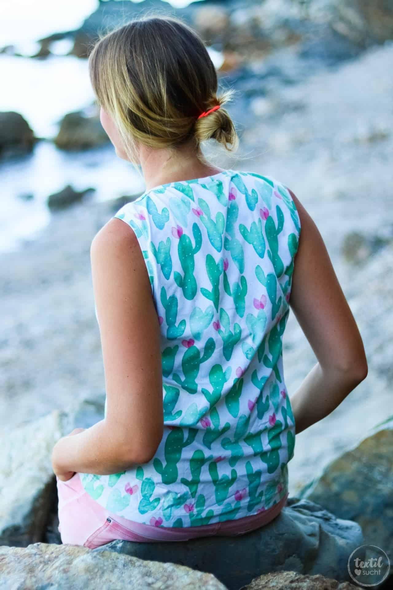 Mein neues Shirt aus Watercolor Kaktus Jersey von Alles für Selbermacher - Bild 2 | textilsucht®