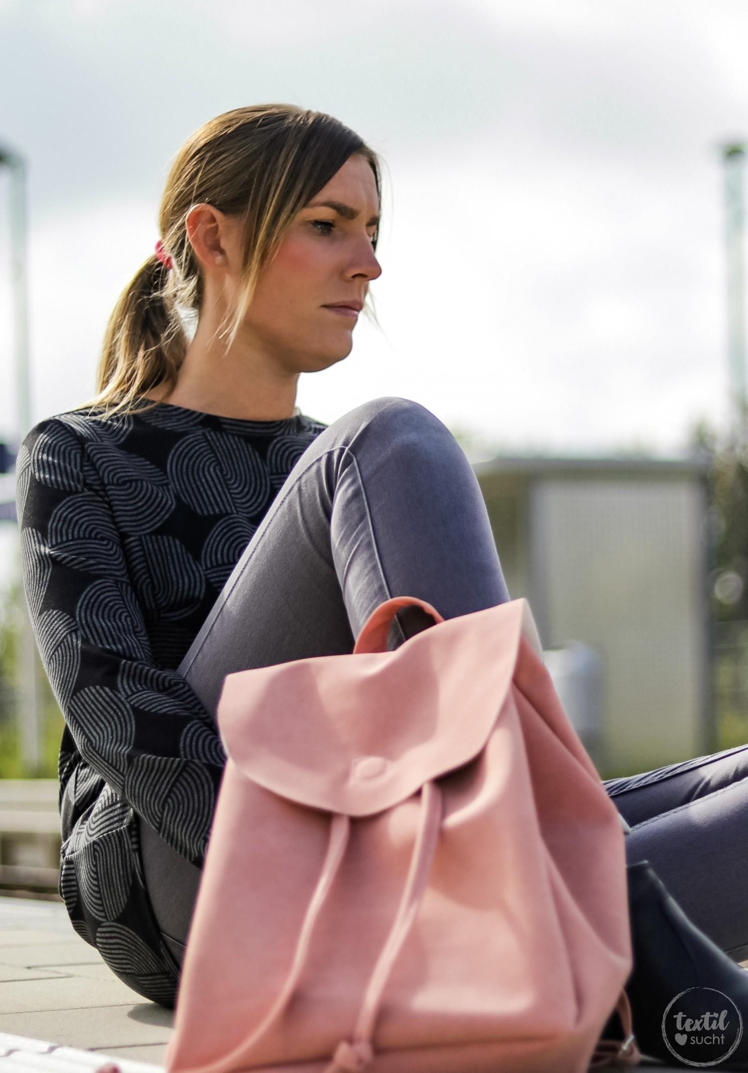 Mein erster selbstgenähter Rucksack aus Kunstleder von Snaply | textilsucht.de