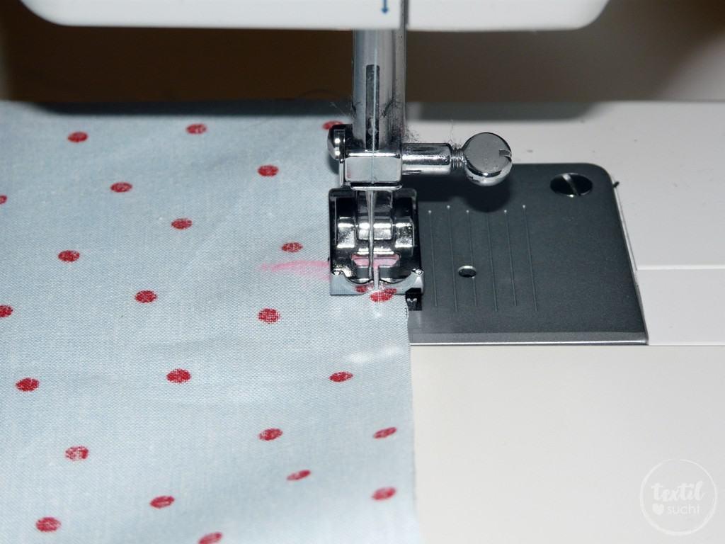 Nähschule: Einkräuseln mit der Nähmaschine - Schritt 4 | textilsucht.de