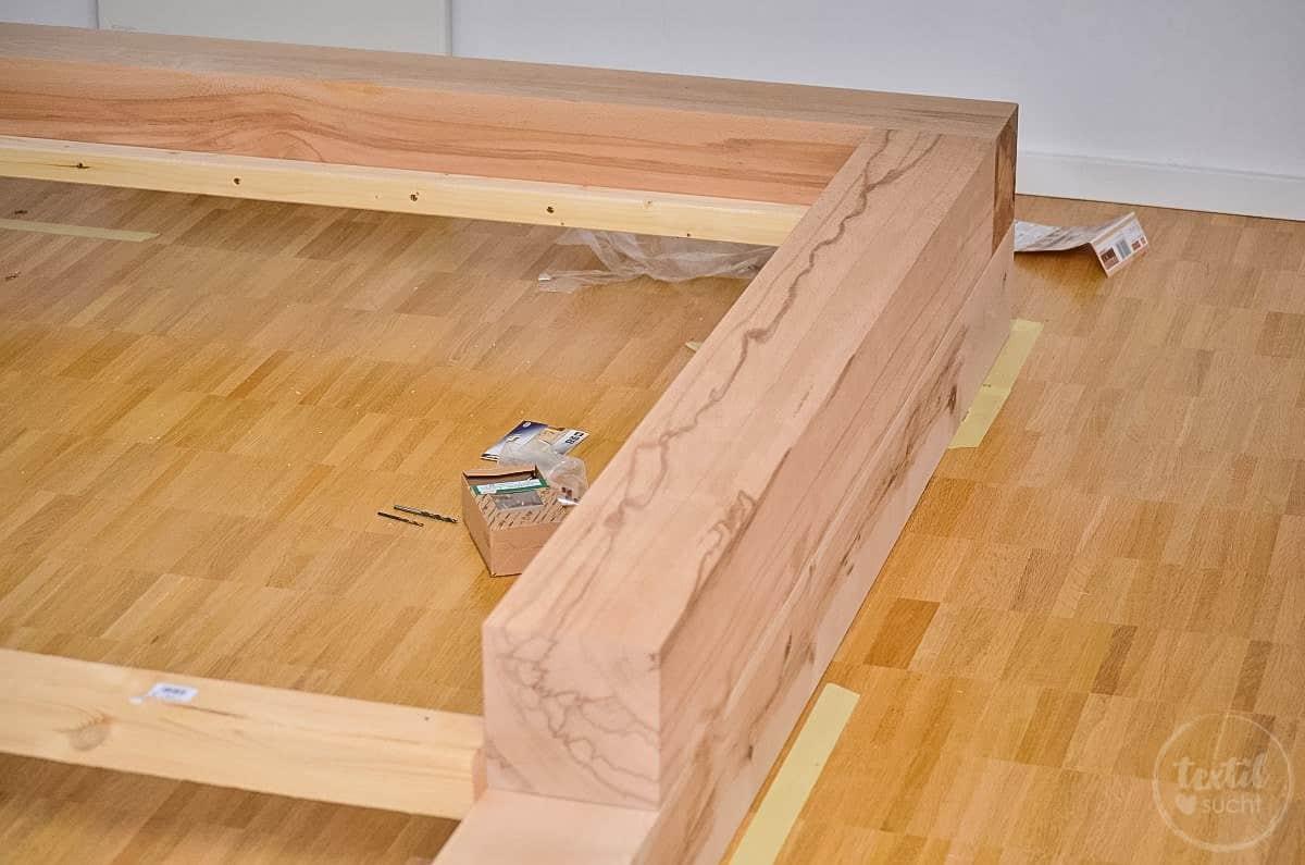 Bauanleitung diy familienbett selber bauen textilsucht - Holzbett bauen ...
