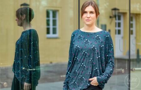 Schnittmuster Shirt Lesja als Oversizeshirt mit Rückenteilung - Titelbild | textilsucht.de
