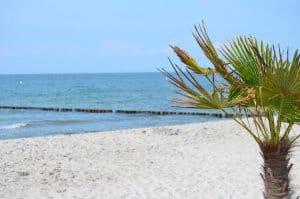 Sommerurlaub mit Kindern - Strandspaziergang Markgrafenheide