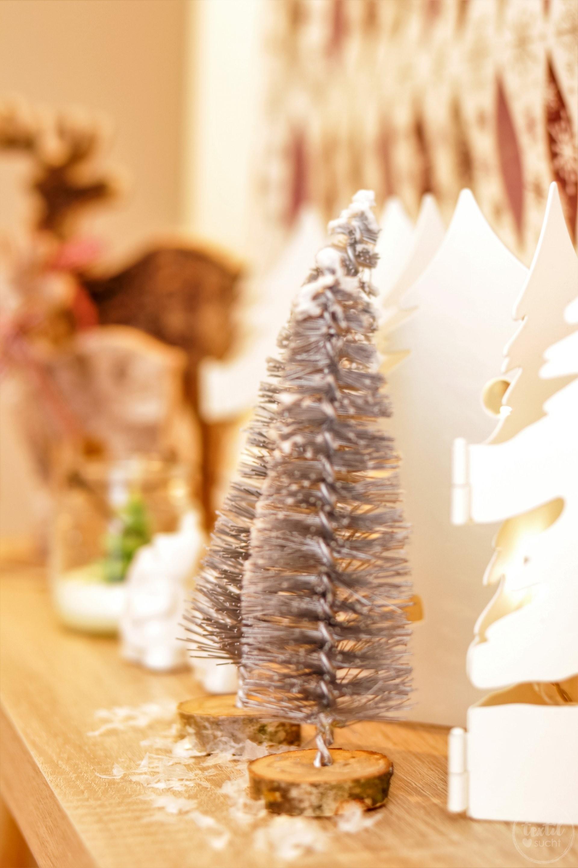 diy weihnachtsbaum aus flaschenb rsten textilsucht. Black Bedroom Furniture Sets. Home Design Ideas