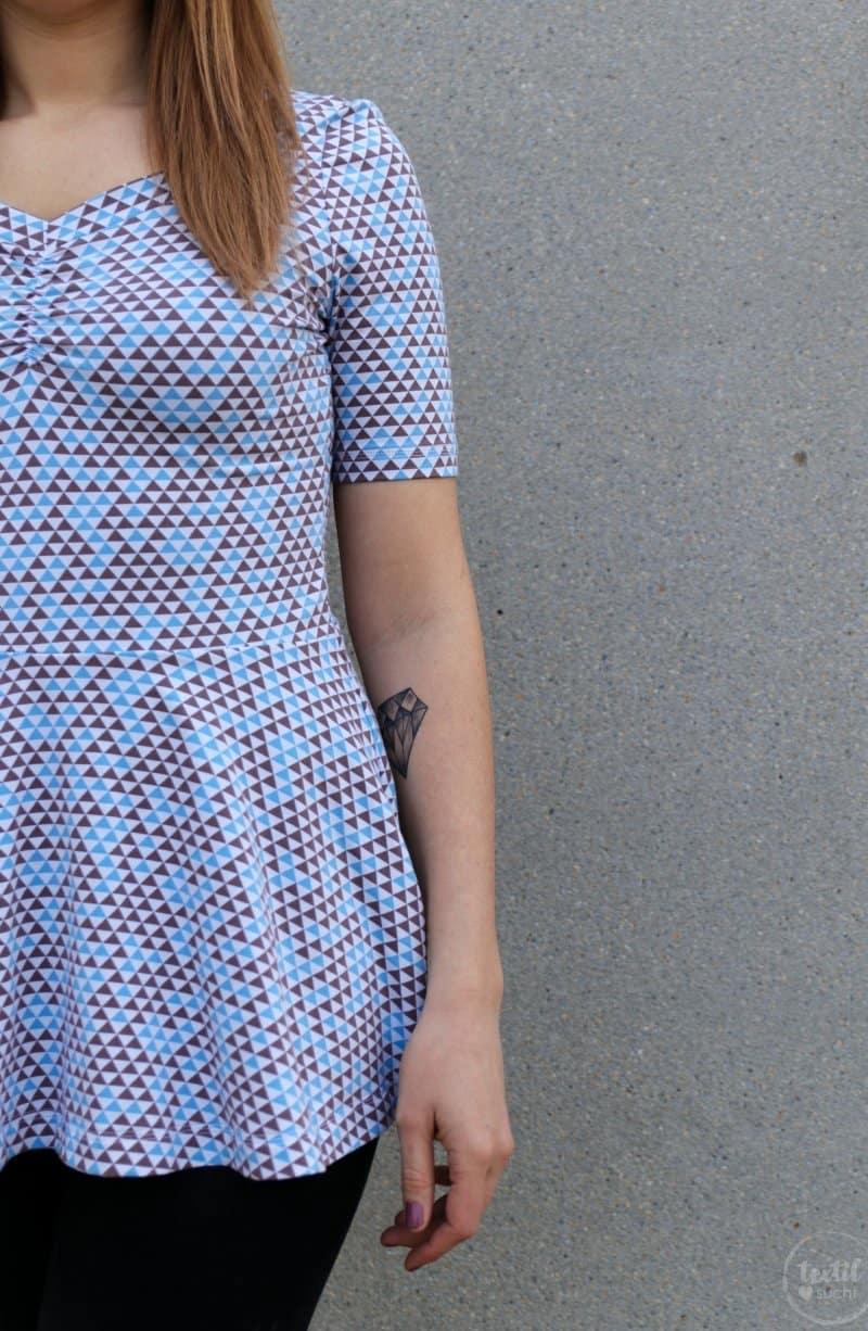 Schnittmuster Kleid Cariba mit gerafften Vorderteil gekürzt zum Shirt - Bild 3 | textilsucht