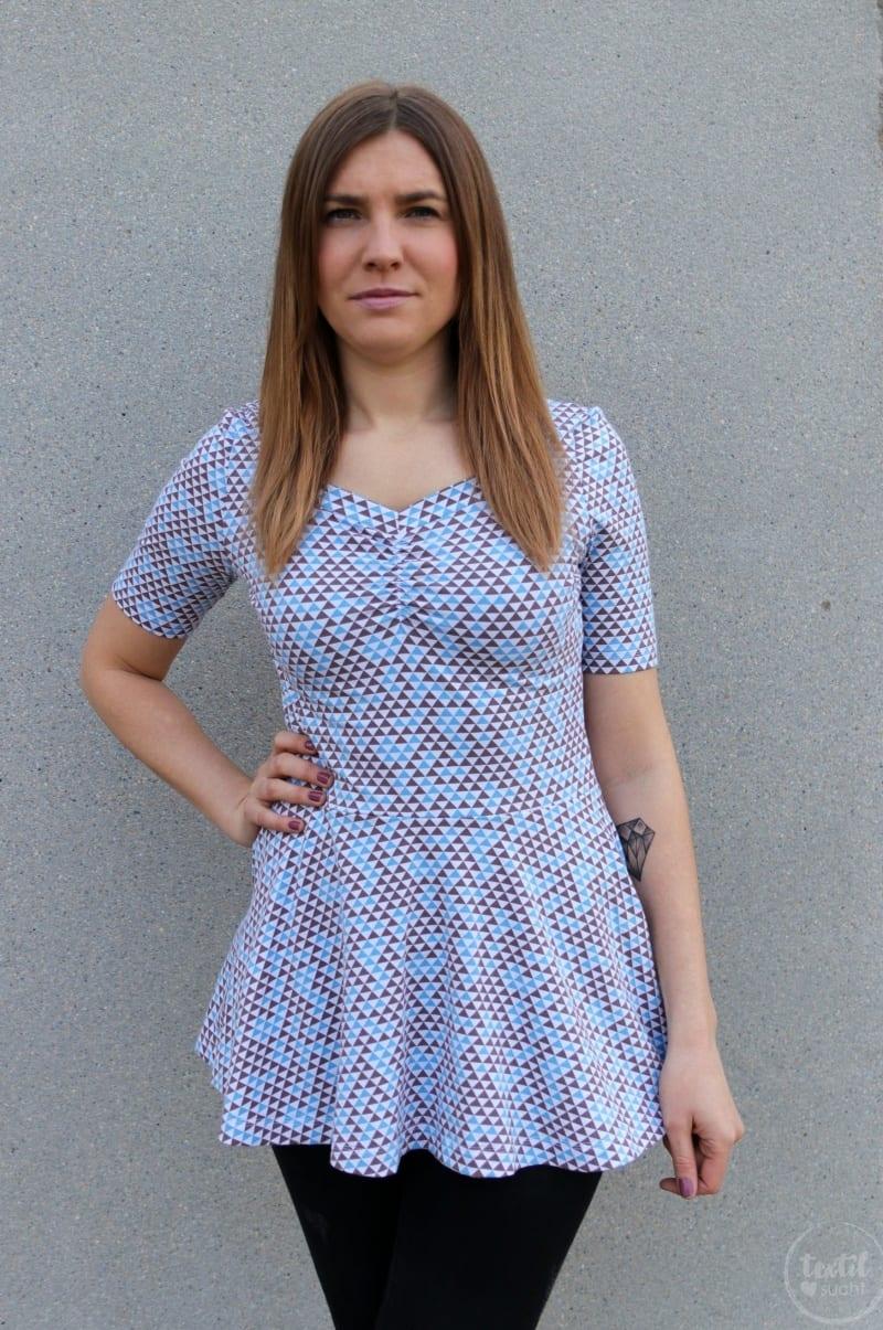 Schnittmuster Kleid Cariba mit gerafften Vorderteil gekürzt zum Shirt - Bild 5 | textilsucht