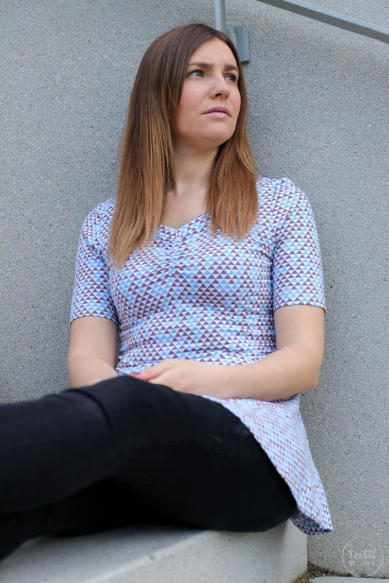 Schnittmuster Kleid Cariba mit gerafften Vorderteil gekürzt zum Shirt - Bild 6 | textilsucht