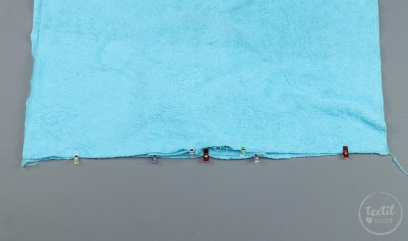Nähanleitung: Badeponcho mit Kapuze selber nähen - Schritt 6 | textilsucht.de