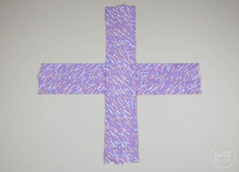 Kostenlose Nähanleitung: Knotenhaarband nähen - Schritt 3 | textilsucht.de