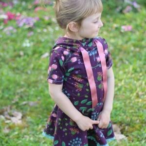 Schnittmuster Volantshirt Nastja 2.0 mit Kapuze für Kinder
