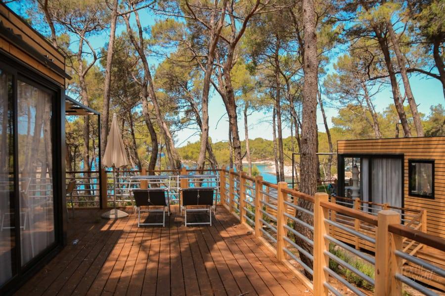 Ferienhäuser mit Blick in die Bucht - Camping Čikat