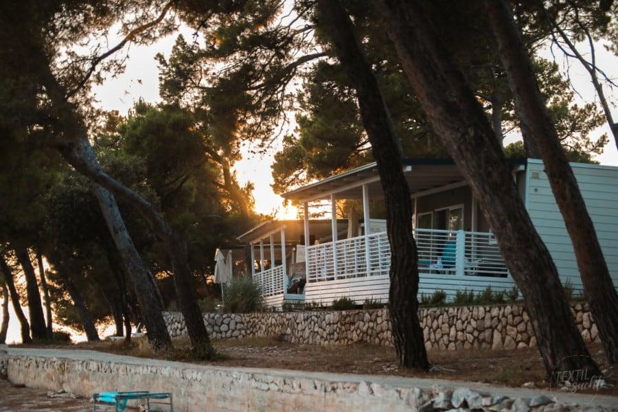 Ferienhäuser mit Blick auf das Meer - Camping Čikat