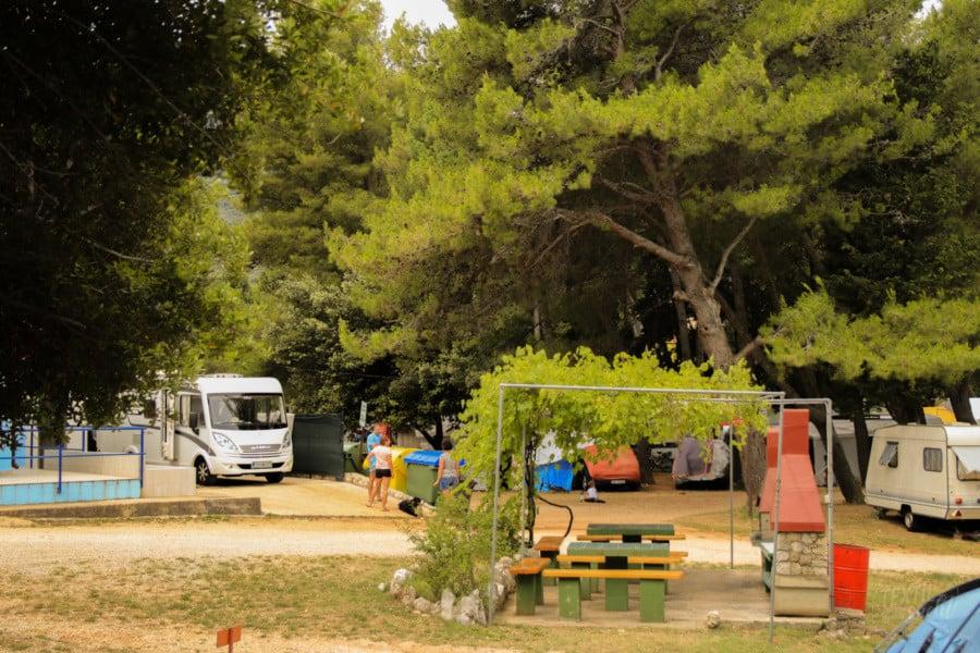 Campingplätze Kroatien: Camping Rapoća - Grillplatz