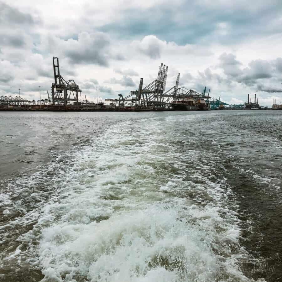 Rundfahrt durch den Rotterdammer Hafen mit der FutureLand Ferry