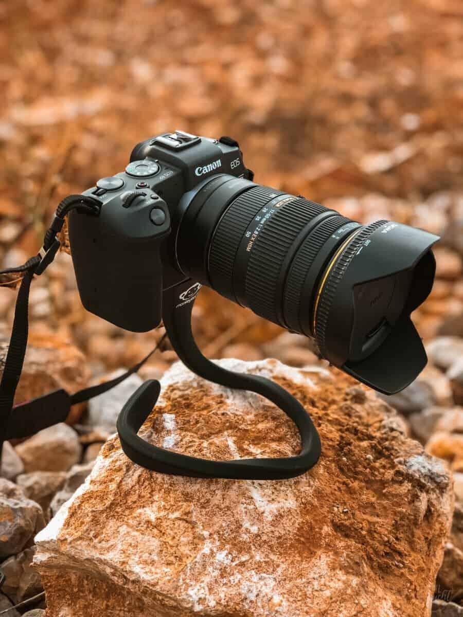 Foto- und Videoequipment auf Reisen -  EOS RP mit Monkeystick