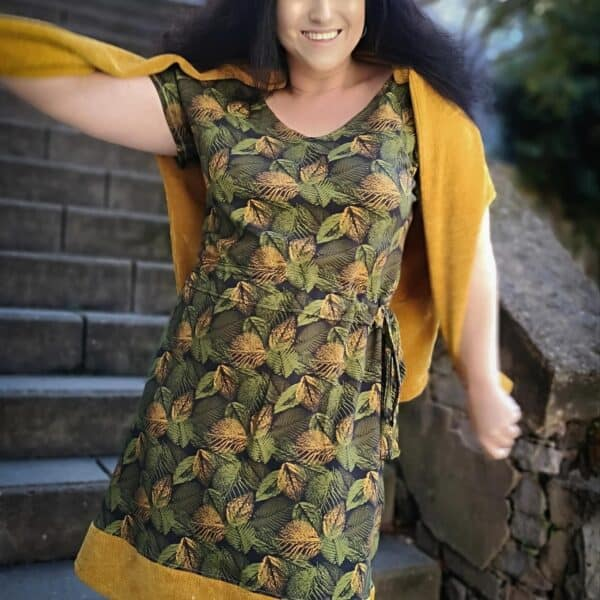 Designbeipiel Schnittmuster Kleid Helea für Damen